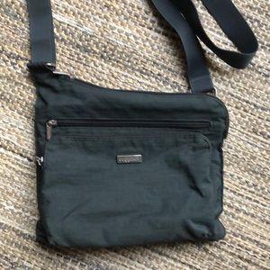 Baggallini crossbody purse gray